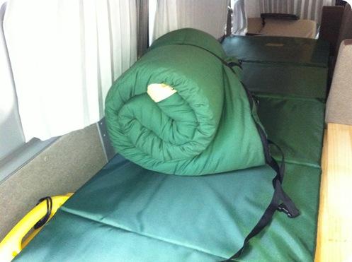 寝袋 シュラフ車中泊スズキエブリイ