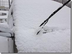 ハイエース4WD雪に埋もれる